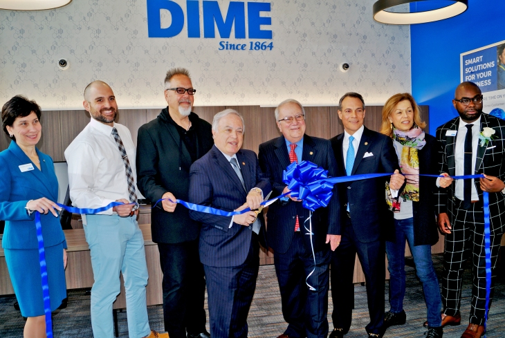 Dime RC Kent 010 Ribbon Cutting